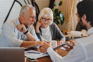 Autumn Ridge | Professional explaining to seniors